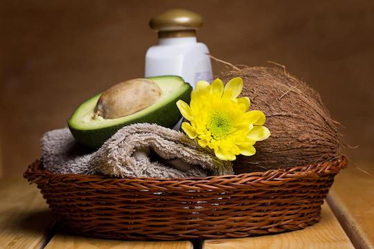 Mascarilla para el cabello: aceite de coco y aguacate