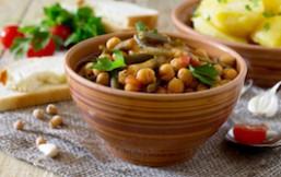 Cazuela picante de verduras y legumbres con miso