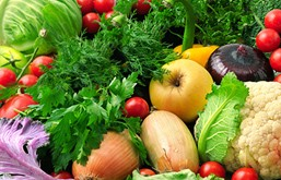 niñas comeos las verduras