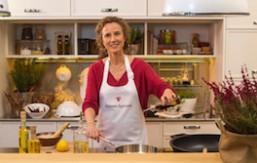 Pilar cocinando